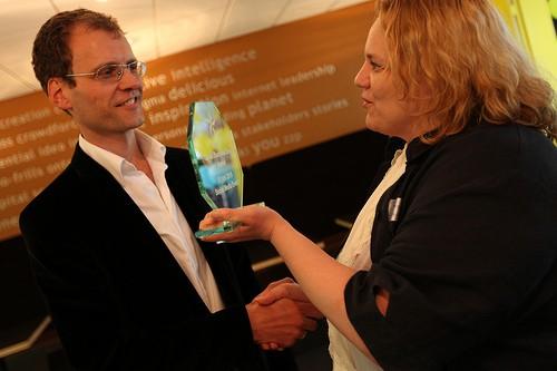 Petra de Boevere en Aartjan van Erkel, uitreiking Dutch Small Business Blog Award 2010